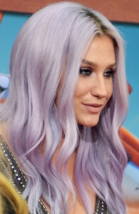 Kesha_Planes_Fire_&_Rescue_premiere_July_2014_(cropped)